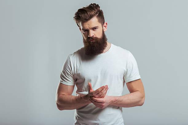 hombres con barba guapos