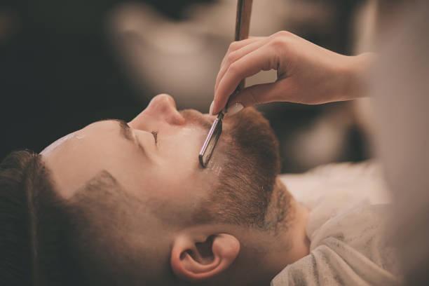 recortar barba con tijeras