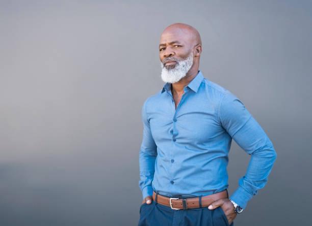 barba larga arreglada