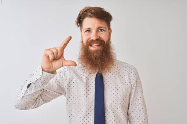 recortar barba poco poblada