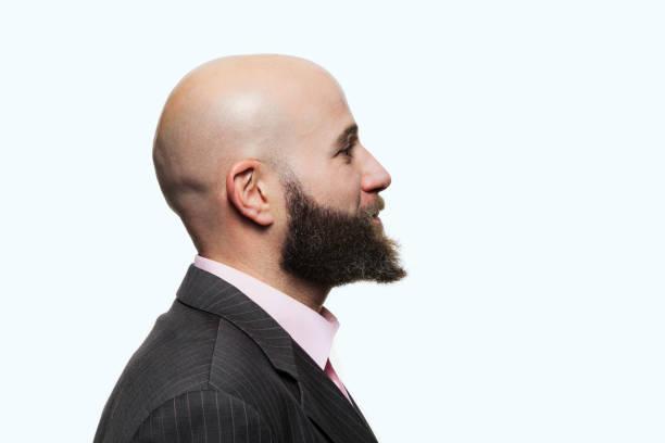 look rapado con barba
