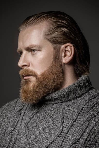 actor pelirrojo barba