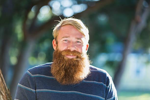 barba rubia con agua oxigenada