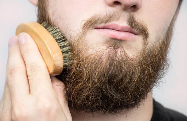 cepillo de madera para barba